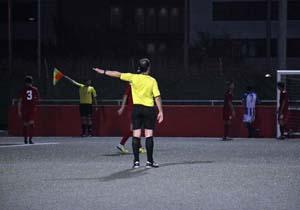 Lo que el ojo no ve: coordinación perfecta árbitro-asistente
