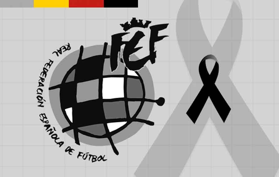 Minuto de silencio por el fallecimiento del Ertzaina de Bilbao.