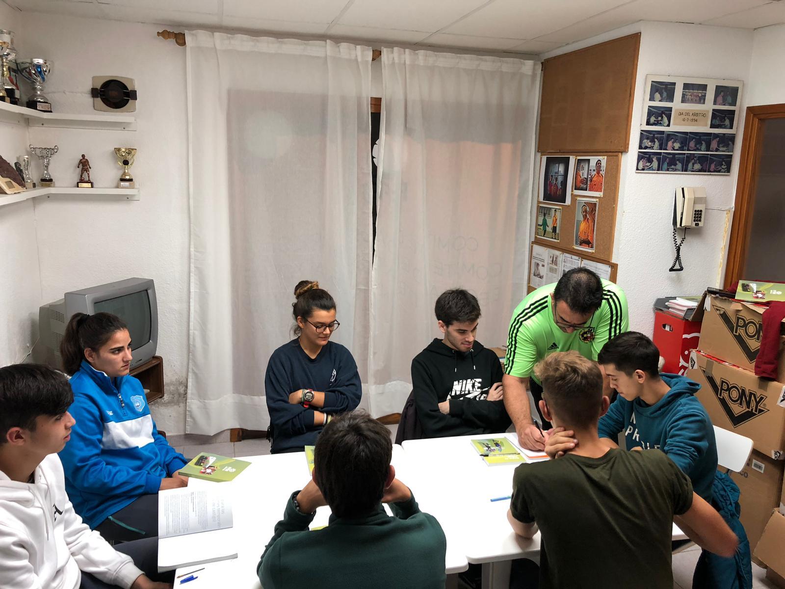 Inicio del nuevo curso para ser árbitro en Menorca