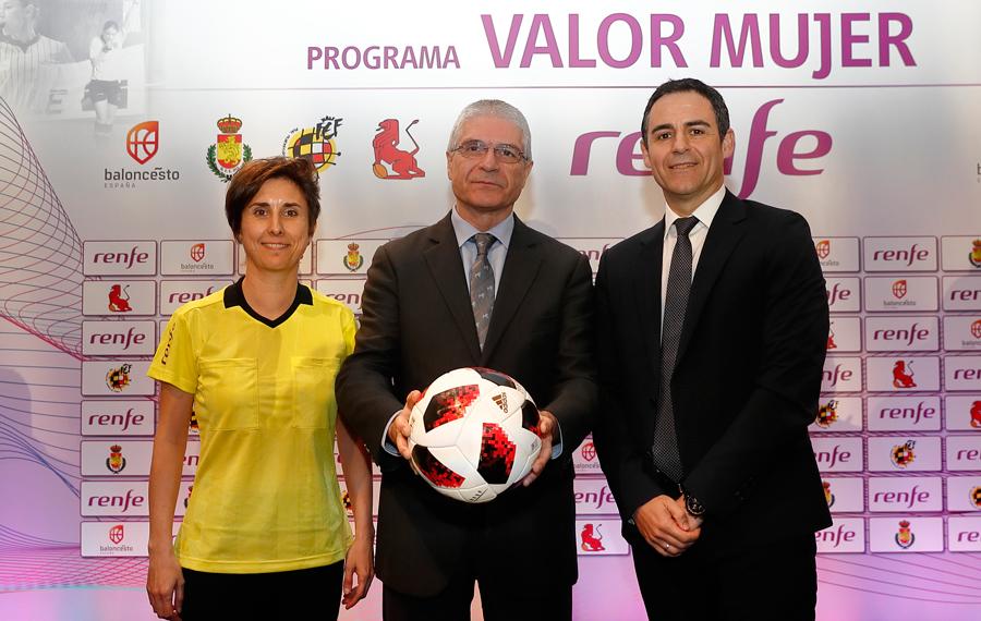 """Velasco Carballo: """"Es un día importante porque se da un impulso a la mujer y al arbitraje"""""""