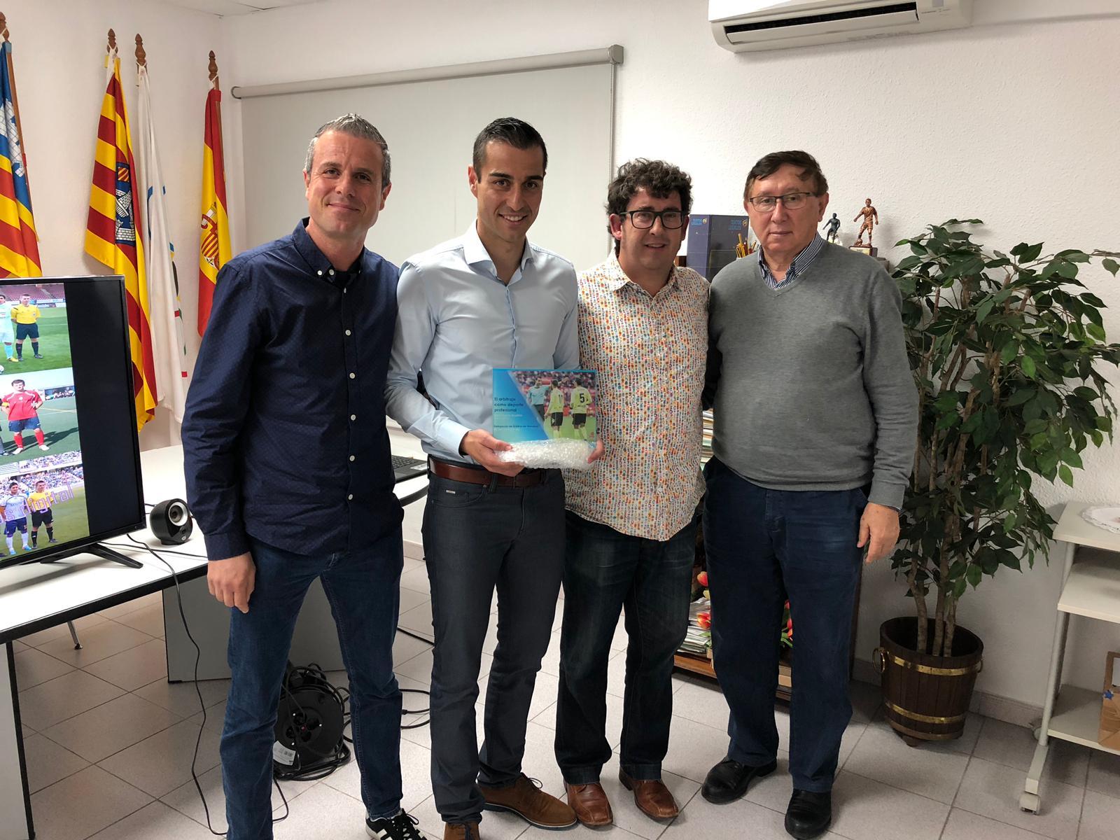 Charla sobre el arbitraje profesional en Menorca a cargo de Santiago Varón
