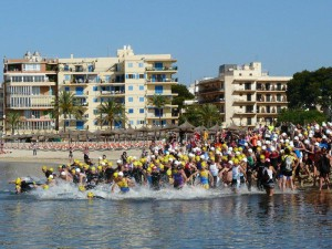 Salida del Triatlón sprint Ciutat de Palma